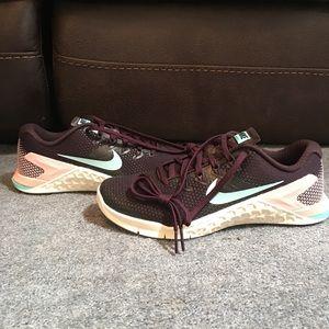 Nike Metcon 4 Women Training Shoe Burgundy Sz 6.5